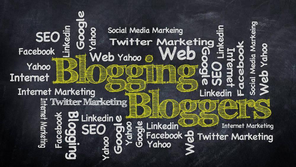 Czy warto prowadzić blog firmowy